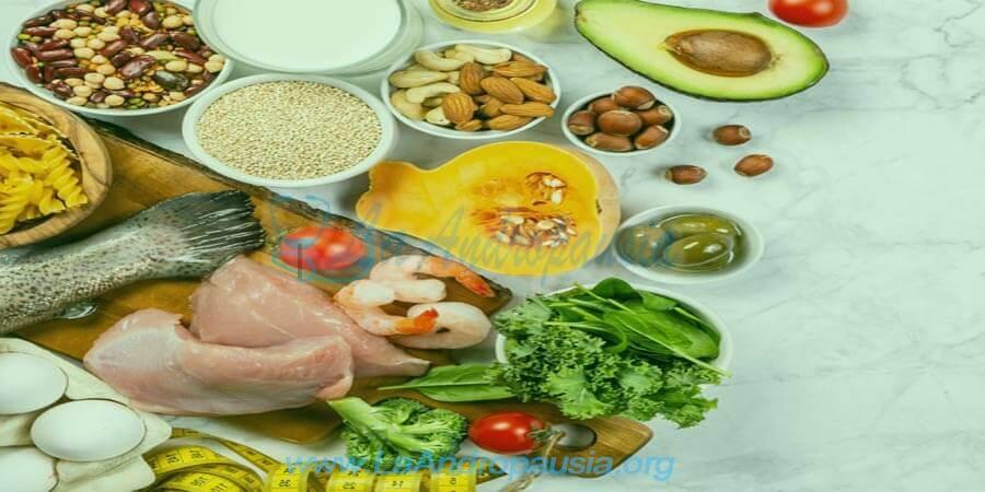 Alimentos que sí deberías añadir a tu dieta en la andropausia